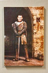 портрет мужчины в образе рыцаря